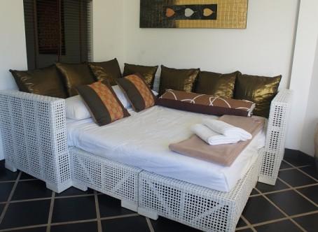 Sofa ændres til dobbelseng for 2 voksen - Ferieboliger