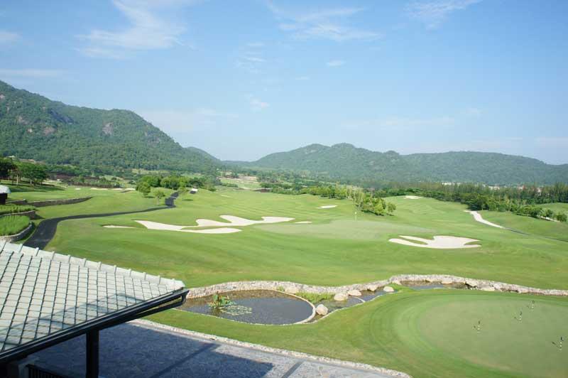 Black Mountain i Hua Hin - Par 72 bane set fra udkigstårn ved klubhus