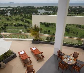 Lej Penthouse med 5 suites i Crystal Bay Golf Club, Bang Saen