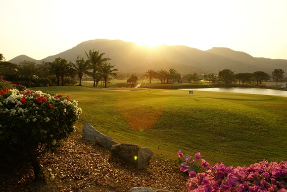Spille golf på Palm Hills Golf Club & Residence, Hua Hin / Cha Am
