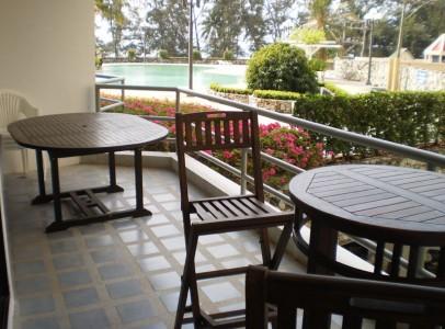 Ferieudlejning Rayong - Lejlighed ved strand - balkonen