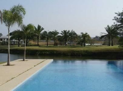 Lej-luksus-golf-villa-i-Hua-Hin-Palm-Hills-2