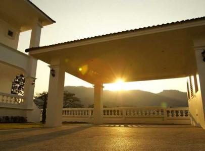 Lej-luksus-golf-villa-i-Hua-Hin-Palm-Hills-5