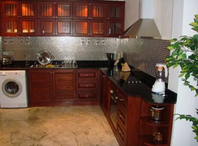 Køb hus Rayong Thailand - I flot resort nær sandstrand