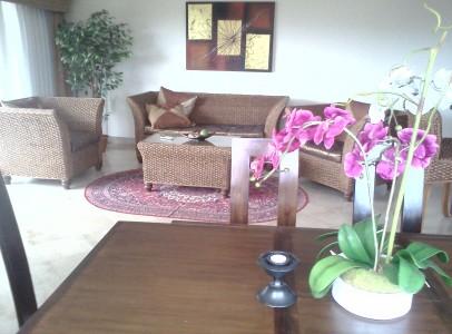 Lej sommerlejlighed Rayong - 2 soveværelser - 50m til strand - spisestue og tv stue