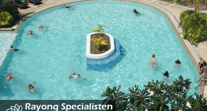 born_seasandsunresort_pool_rayong