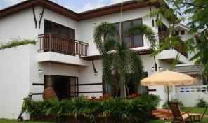 Hus til salg Rayong, Thailand – I privat resort – RA–166–40