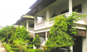 Rækkehus med 3 soveværelser i luksus resort – 205B