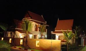 Køb hus Rayong Thailand – I flot resort nær sandstrand – RA–166–106